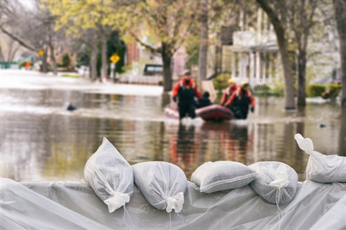 """Climate change-driven flood risk could make Townsville homes """"uninsurable"""